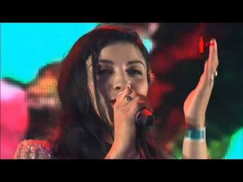 Mon Laferte - Amárrame ft. Juanes (Vive Latino 2017)
