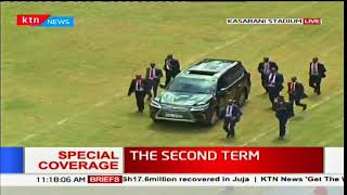 Deputy President William Ruto arrives at Kasarani Stadium for the swearing-in ceremony