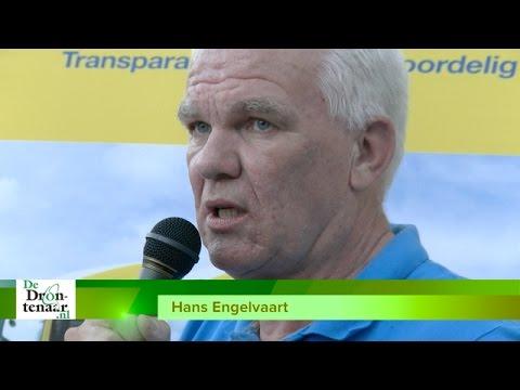 VIDEO | Emotionele Hans Engelvaart krijgt hoge onderscheiding van KNVB