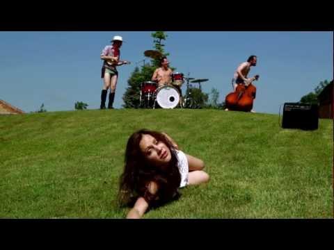 Malá Zoe - Malá Zoe - Bebí - Official video