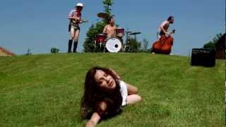 Video Malá Zoe - Bebí - Official video