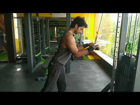 Cable Pushdown (Forward Leaning)