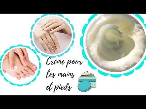 Le vernis contre le microorganisme végétal sur les ongles de lindium