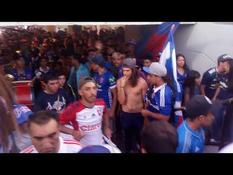 """""""salida de la banda ( de pendejo yo te vengo aver ) U de chile vs river"""" Barra: Los de Abajo • Club: Universidad de Chile - La U"""