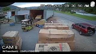 Подборка смешных видео приколов с камер видеонаблюдения