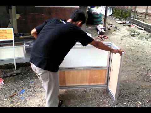 """Video Tutorial pemasangan meja lipat untuk usaha """"Umi Aluminium dan Kaca"""""""