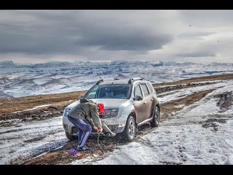 Hyundai Tucson застрял. Вытаскиваем Дастером