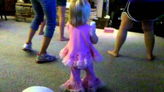 P playing just dance on the wii - Video Youtube