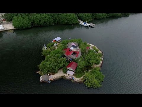 Floating On Trash (2017) - An environmentalist has created an entire island floating on trash. This man lives on an island paradise.
