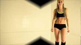 Renata dancing to Donaeo - Im Fly