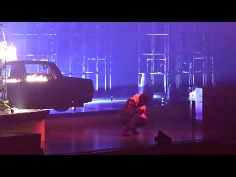 Twenty One Pilots - Levitate (Live in Dallas, TX American Airlines Center November 7, 2018)