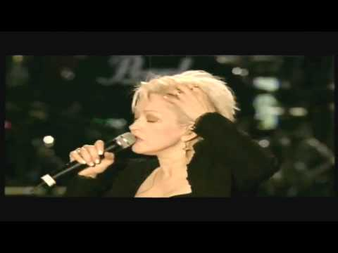 Cyndi Lauper - I Drove All Night (live)