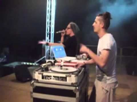 Resonancedj & Sakeenaman live campobello di licata.mov