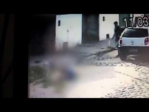 Motorista derruba escada e mata homem