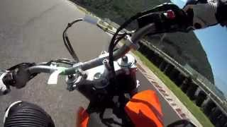 preview picture of video 'KTM 690 SMC first track day!'