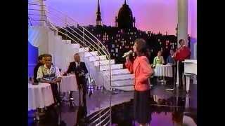 Maria Candido - Les Cloches de Lisbonne (La Chance aux Chansons)