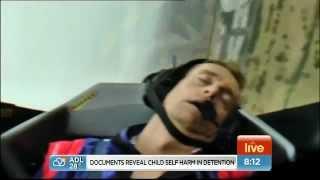 Телеведущий упал в обморок во время эфира в самолете