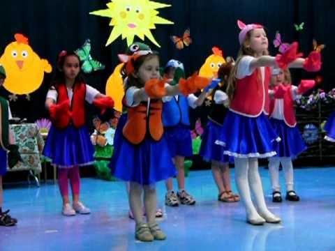 Танец под песню о колобке