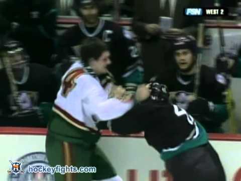 Derek Boogaard vs Trevor Gillies