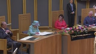 Queen officially opens Welsh National Assembly
