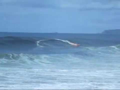RUBBER DUCKIES CAN SURF, THE INFLATABLE RESCUE BOAT.wmv