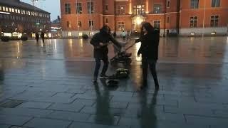 Singin in street Video