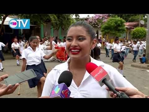 Estudiantes del Filemón Rivera preparados para celebrar a la Patria