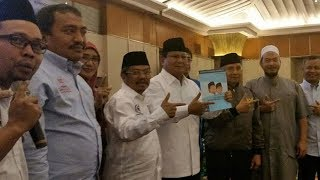 Prabowo Menulis Buku Reformasi 1998