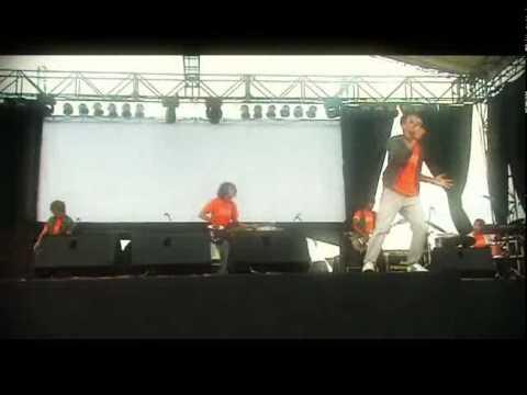 Indie band G'SIDE_Bukan Milikku Lagi (live video with original song)