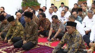 Ketika Kapolri Sibuk dengan Ponselnya saat Presiden Jokowi dan Menteri Menyimak Ceramah