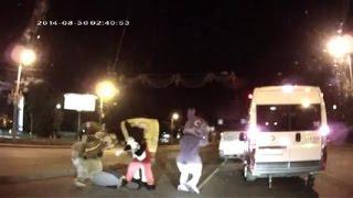 Приколы на дорогах. Губка БОБ с Лунтиком дают пиз..лей в 3 ночи  борзому водителю.