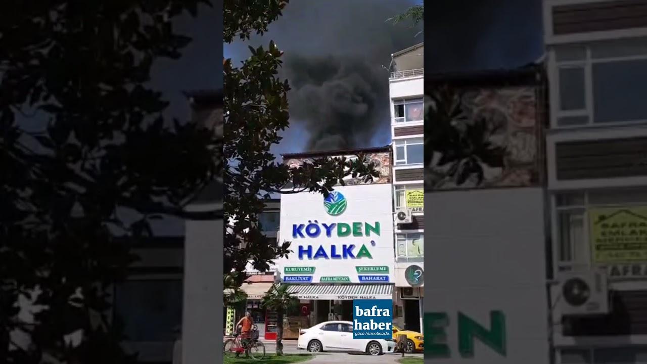 Cumhuriyet Meydanında Çatı Yangını