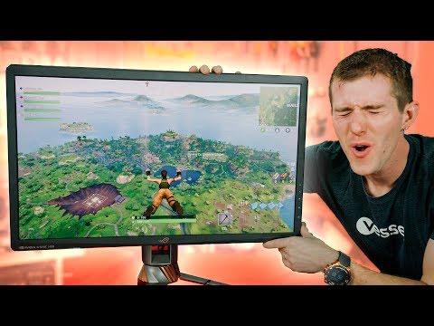 Fortnite on the GOD of Gaming Monitors!