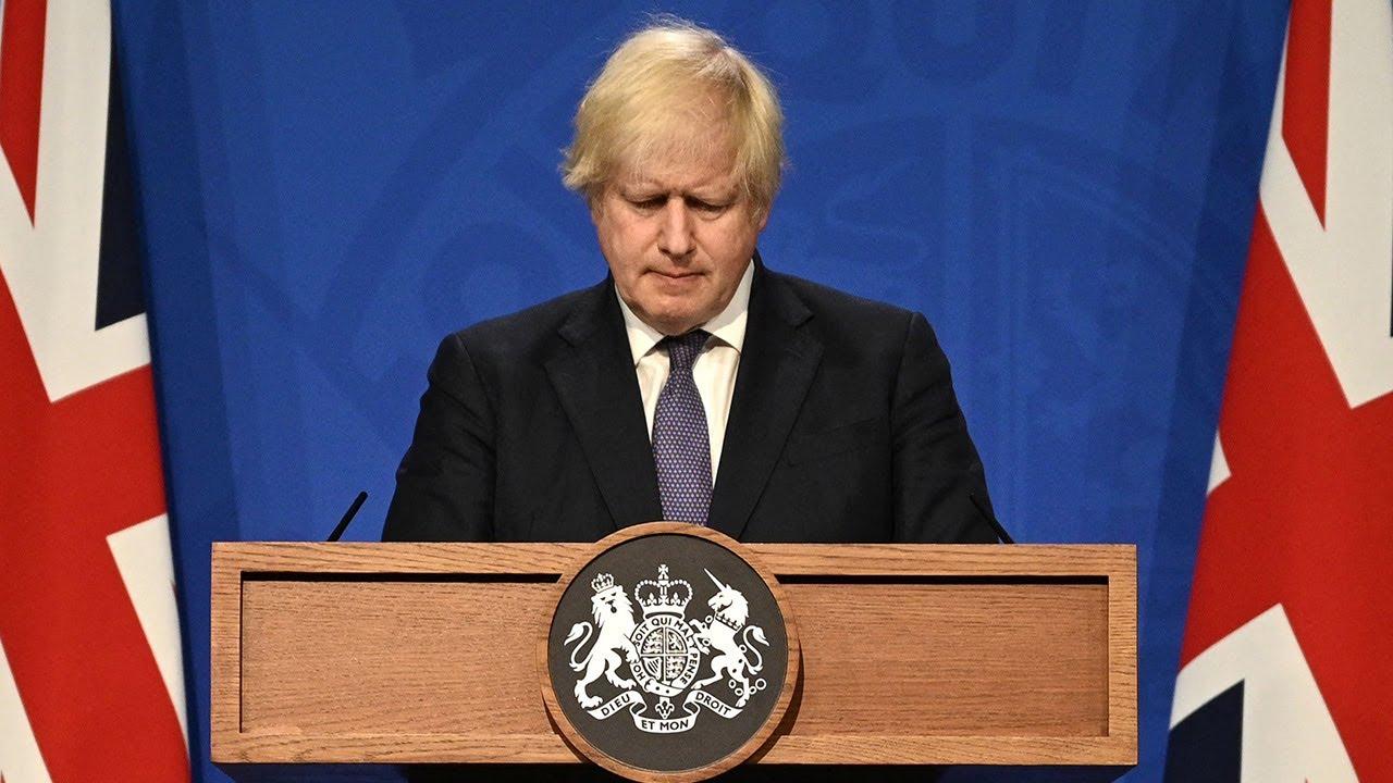 Boris Johnson urges use of Covid vaccine passports
