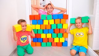 Nikita, Vlad and Mom Play with colored cubes