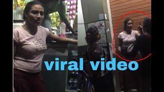 वैश्यायों की जबरदस्त लड़ाई देखिए लप्पड़ पे थप्पड़ ।। Whatsapp viral video