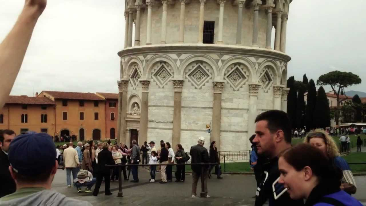 Troll High-Fives Tourists Pretending To Hold Up The Leaning Tower Of Pisa