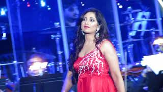 Lag Ja Gale Shreya Ghoshal Live