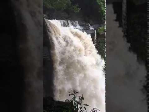 Waterfall - slow mo