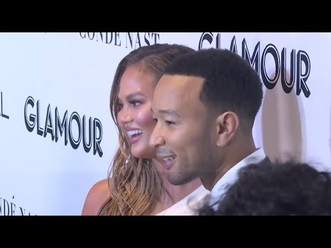 At the Glamour Women of the Year Awards, Chrissy Teigen talks about the year of the woman, Janelle Monae hypes Michelle Obama's memoir, while Alicia Silverstone urges personal action on climate change. (Nov. 13)