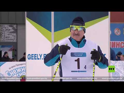 العرب اليوم - شاهد: الرئيس البيلاروسي يشارك في مسابقة البياتلون