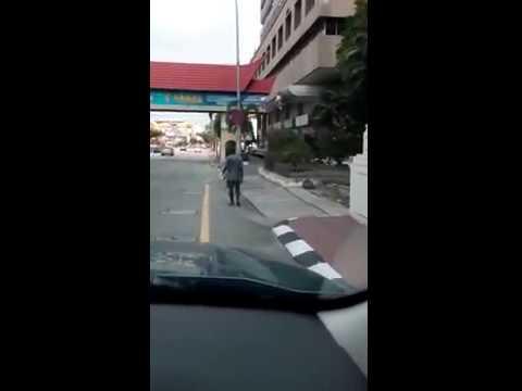 馬來西亞街頭驚見無頭男