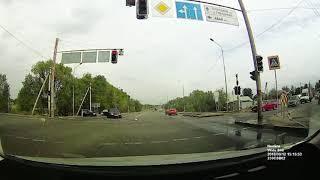 Три машины столкнулись в Алматы
