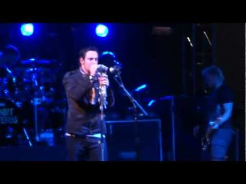 Three Days Grace - Sign of the Times HD (Live in Toronto)