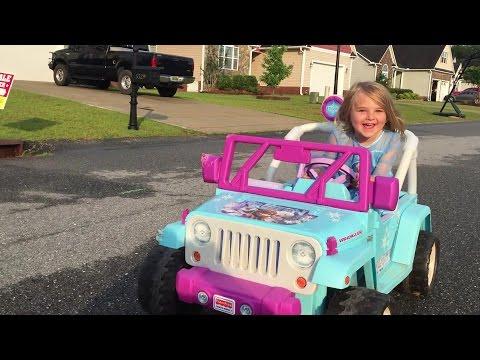Disney Frozen Vehicle Jeep Power Wheels Elsa Anna Brooke and Azlynn Show