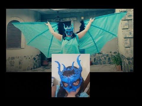 Mascara y alas de dragon