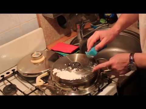 Простой способ очистки сковороды