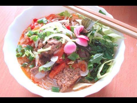 Bun rieu – Crab & pork noodle soup