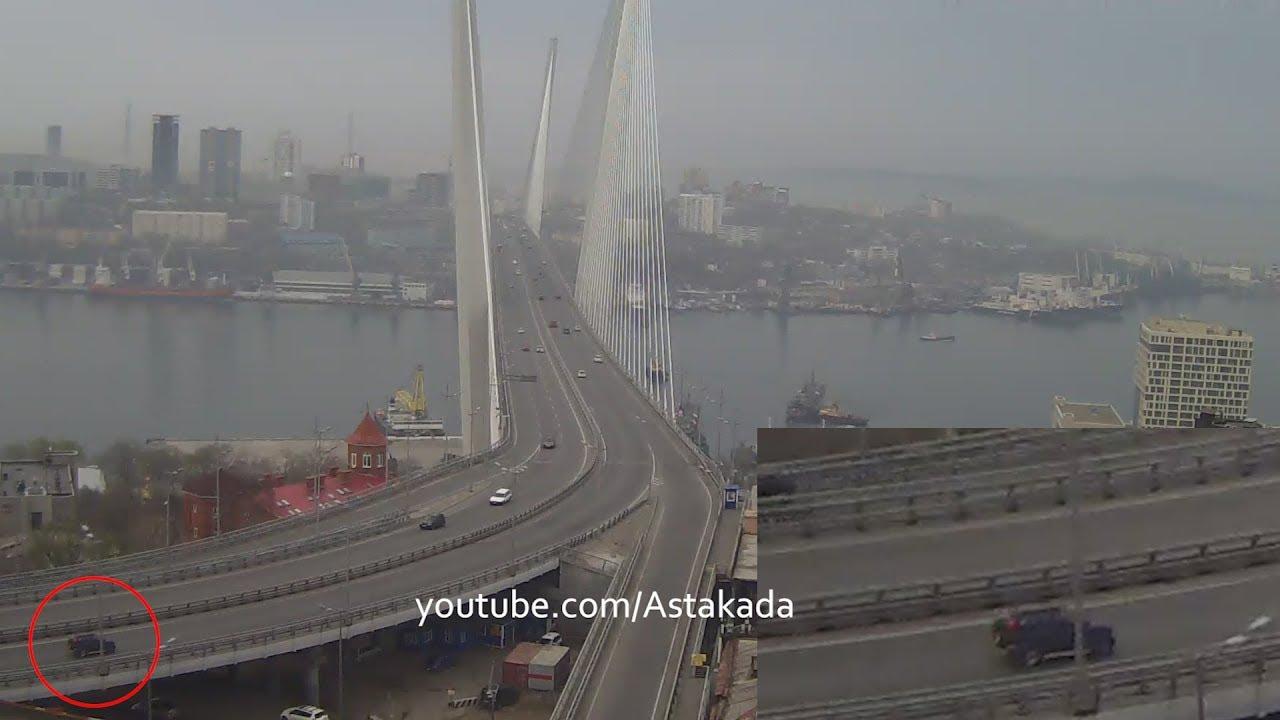 DAIHATSU Terios перевернулся на Золотом мосту во Владивостоке
