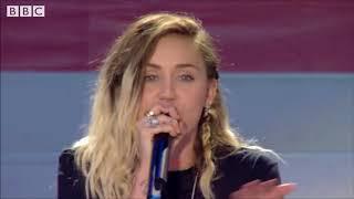 Miley Cyrus & Ariana Grande -  Don't Dream It's Over
